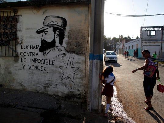 636160254352262100-AP-Cuba-Fidel-Castro.jpg