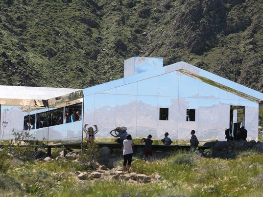 Palm Springs Mirror House Begins To Come Down