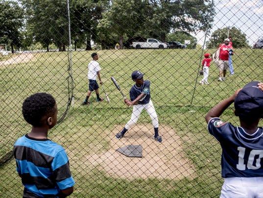636328653012001140-170610-Baseball-0279.jpg