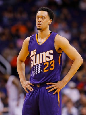 Phoenix Suns guard John Jenkins (23) against the New York Knicks in the second half of their NBA game Wednesday, March 9, 2016 in Phoenix, Ariz.