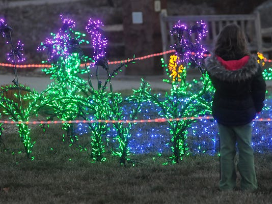 5 gardens on spring creek garden lights kick off