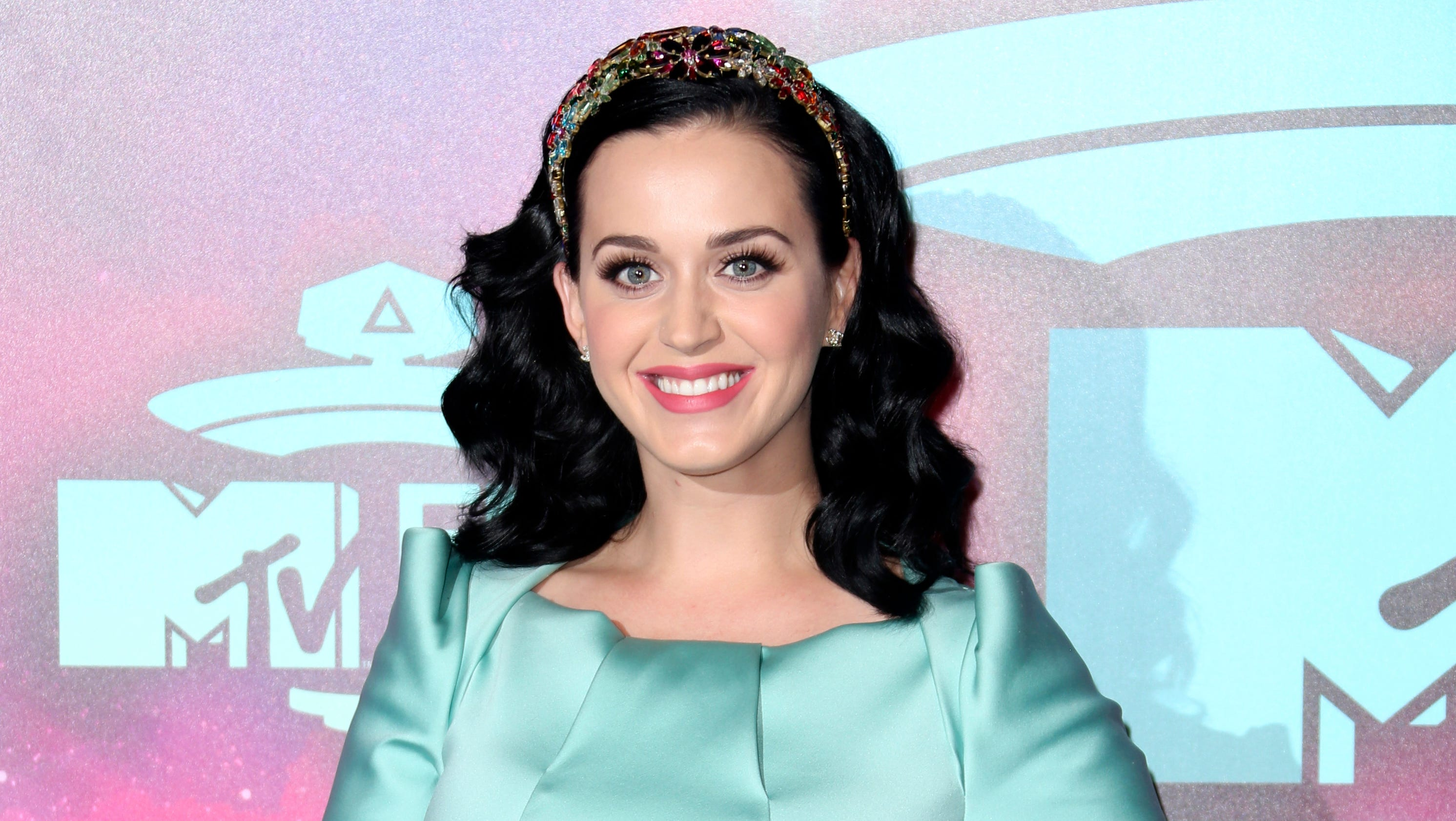 Katy Perry launches re... Katy Perry Obituary