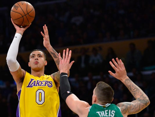 32288239f L.A. Lakers defeat Boston Celtics for seventh win in nine games
