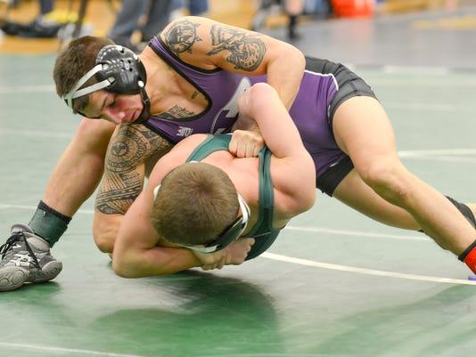 635897555476763589-Wrestling-5.jpg