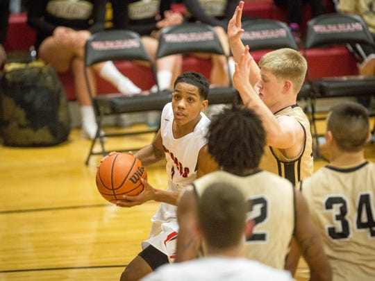 Wapahani hosted Winchester at home Friday night at Wapahani High School. Winchester would win the game 61-57.