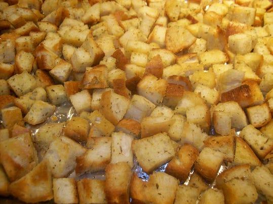 how to make homemade caesar croutons