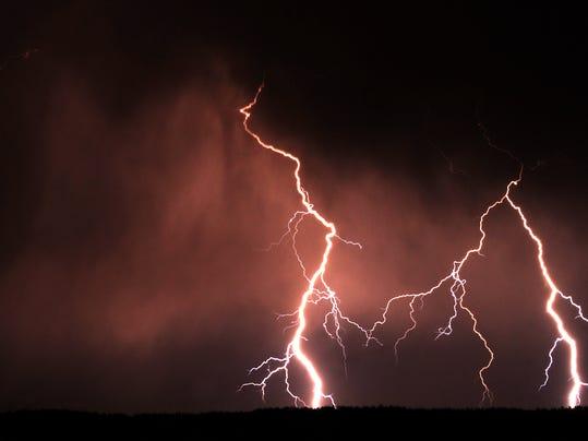 -lightning.jpg_20120518.jpg