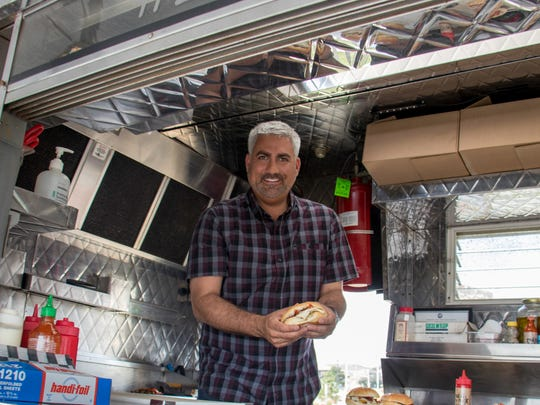 Taylor Hicks inside    Johnny's Pork Roll and Coffee