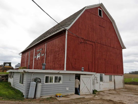 The exterior of Smilaire Registered Holsteins.