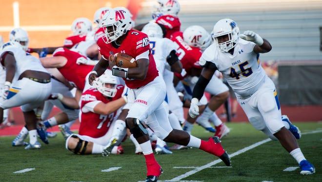 Quarterback JaVaughn Craig (3) runs in for Austin Peay's first touchdown against Morehead State on Saturday.