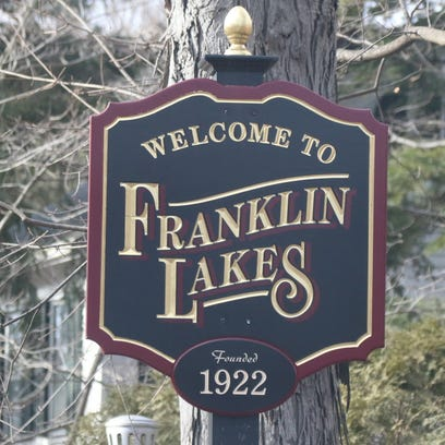 The welcome to Franklin Lakes sign on Franklin Avenue.