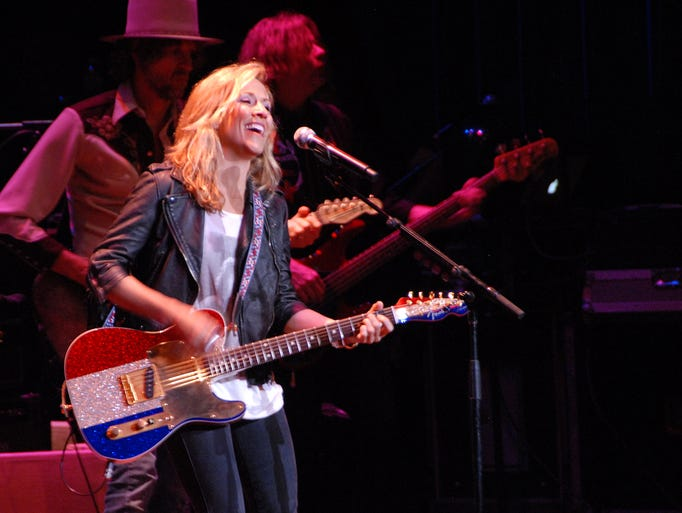 Sheryl Crow and band perform at UPAC in Kingston May 29, 2014