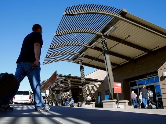 Tanto el Aeropuerto Internacional Sky Harbor de Phoenix como el Mesa-Gateway, requerirán la identificación de viaje nueva.