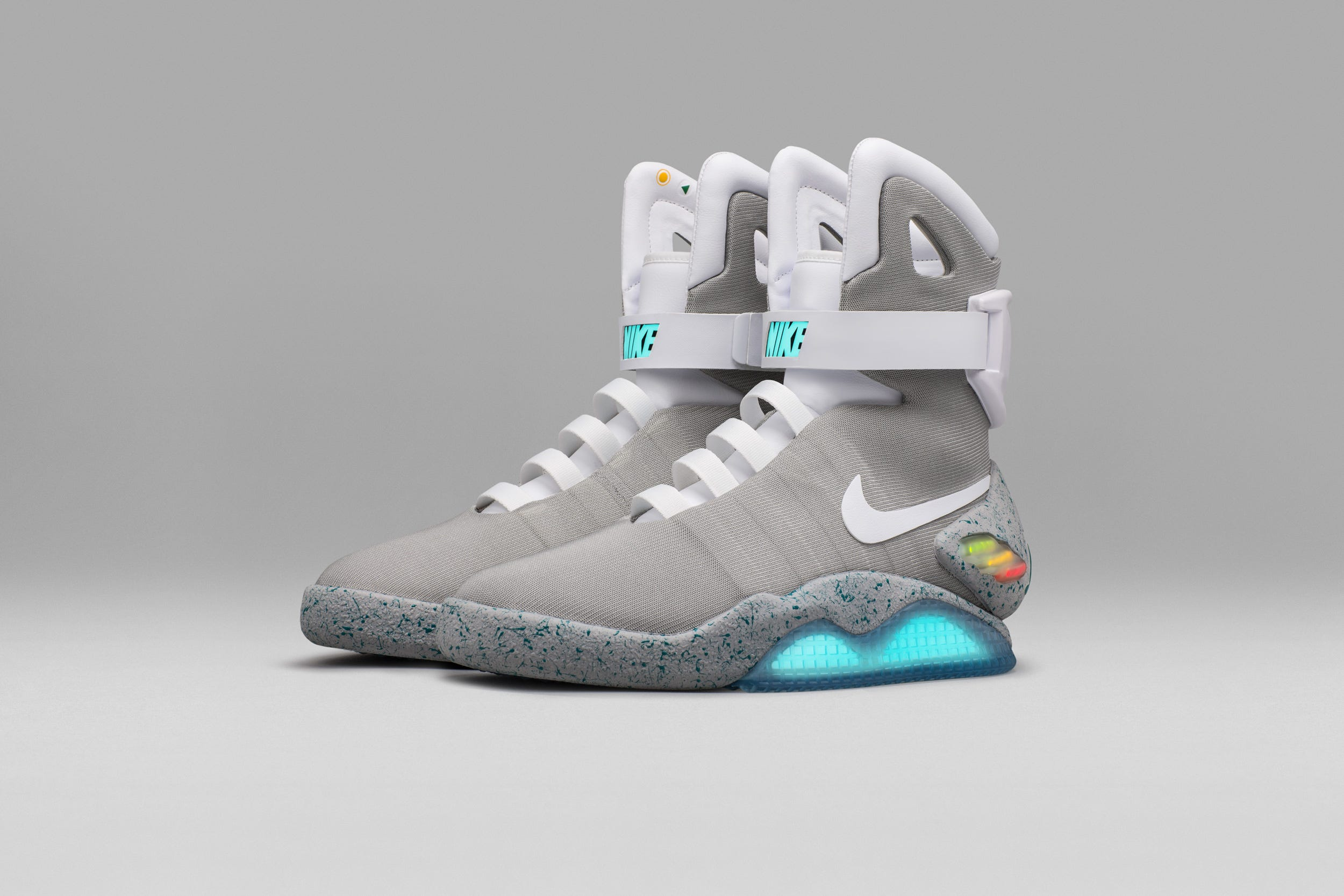 nike back to the future mags
