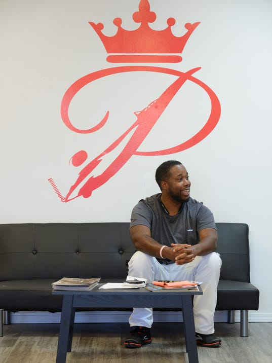 Barber Zanesville Ohio : Prince of Cuts barbershop opens downtown
