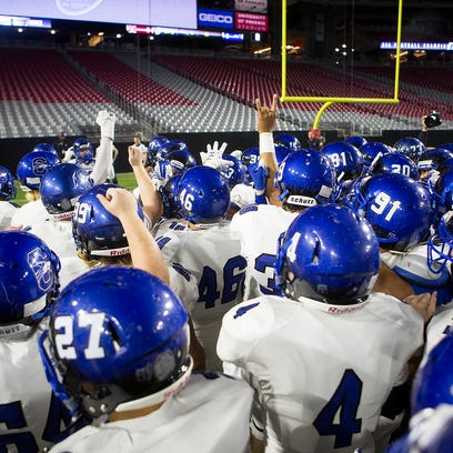 Chandler High's football team prepares for the state