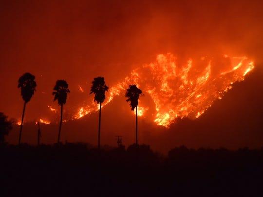 The fast-moving Thoms Fire burns between Santa Paula and Ojai.