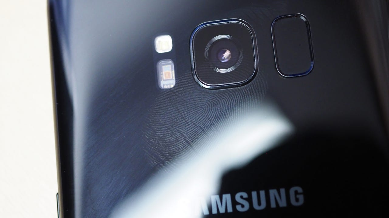 Reportedly, the device will be unveiled at a media event that Samsung is planning to hold in New York in August. It is believed the new phone will have a curved screen & two rear cameras.