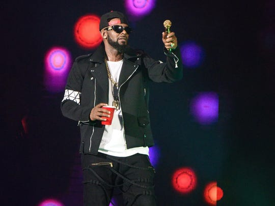 R. Kelly will perform on Sept. 8 at Bankers Life Fieldhouse.