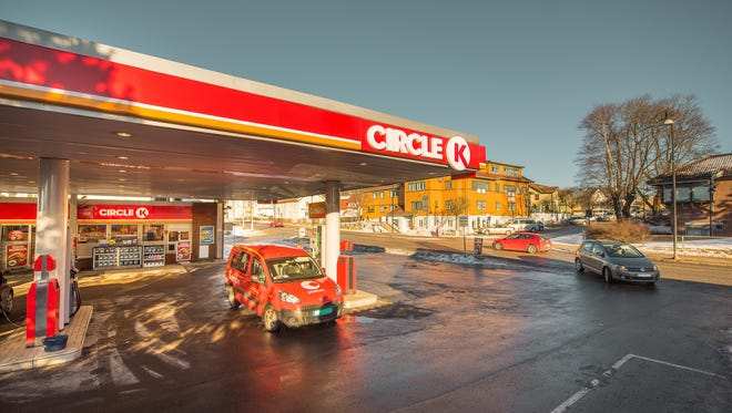 Circle K is offering a chance for customers to fill up while benefiting schools.