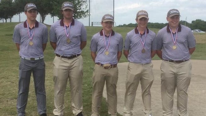 The Seymour boys golf team is headed back to state for a third straight year after a third-place Region 2-2A finish.