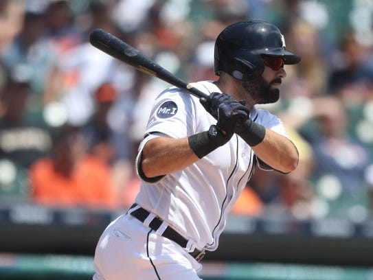 Alex Avila bats against the Giants during the first
