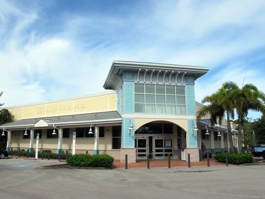 The Walgreens store permanently closed in the Publix-anchored