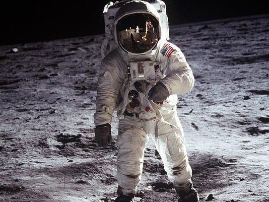 Apollo 11 - 2.jpg