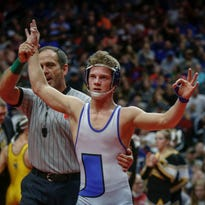 Underwood's unbeaten star wrestler Alex Thomsen commits to Nebraska