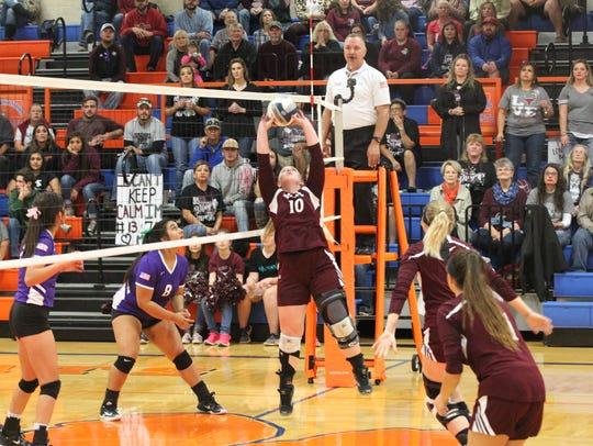 Bronte High School's Cassidy McWright sets the ball