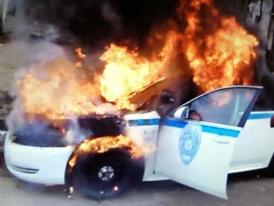 635586344224108864-JJPD-car-fire