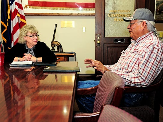 Snuffy Main meets with Secretary of State Linda McCulloch