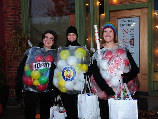 "South Lyon annual ""Kids Trick or Treat"" bring out Divine"