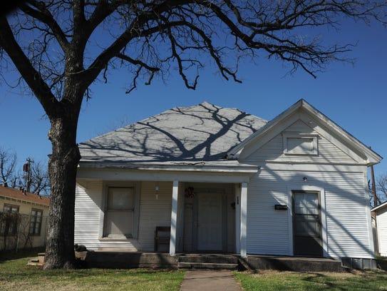 A house at 726 Chestnut St. is on the Abilene Register
