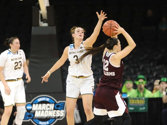 Notre Dame Fighting Irish guard Marina Mabrey (3) tries