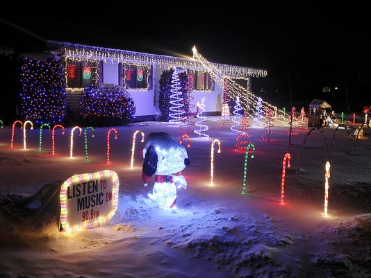 635838672478497533-holiday-lights.jpg