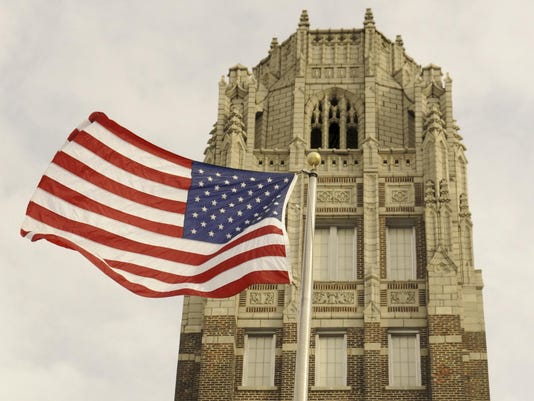 Manitowoc Lincoln High School Tower Flag