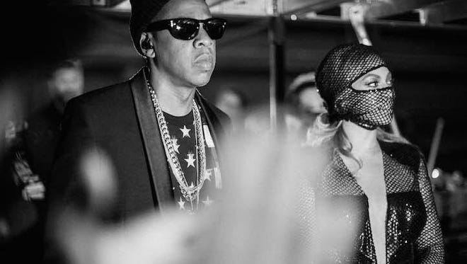 Jay Z and Beyonce on their On the Run tour.