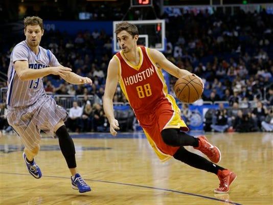 Rockets Magic Basketb_Will.jpg