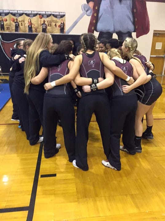 Navarre girls weightlifting