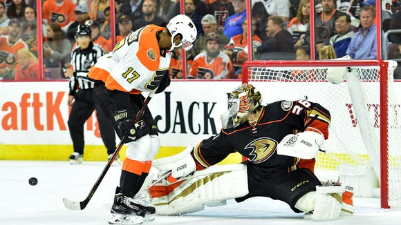 Wayne Simmonds has four game-winning goals in the Flyers' five wins so far this season.