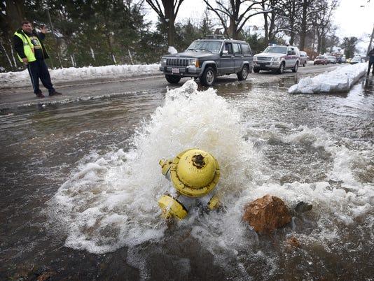 1-ldn-mkd-031517-fire hydrant-