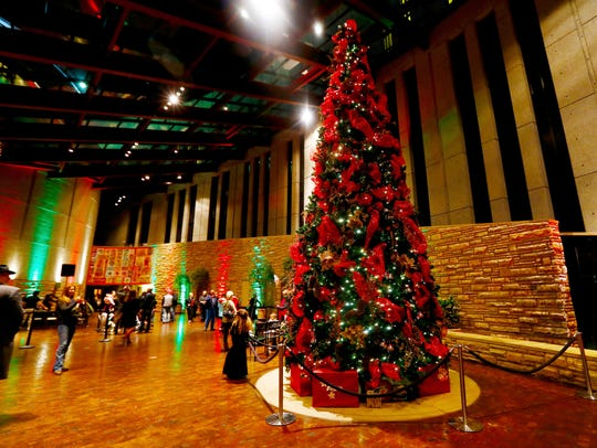 The Country Music Hall of Fame's Tree Lighting Ceremony is always a great way to start the holiday season.