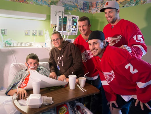 Red Wings Visit Hospitalized Children In Saginaw