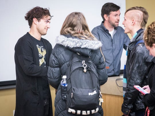 Kevin Ray, bassist for Walk The Moon, talks to students