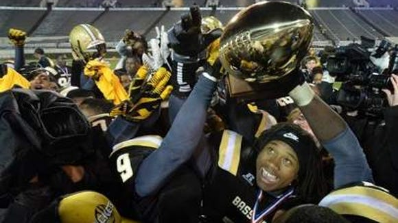 Bassfield wins the 2013 Class 2A championship