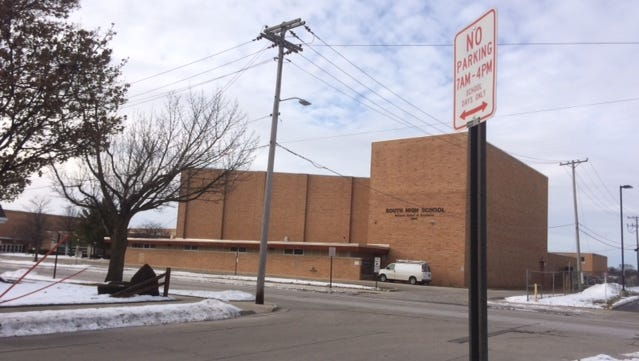 Sheboygan leaders this week voted to remove rules that limited parking along Cherry Lane near South High School.