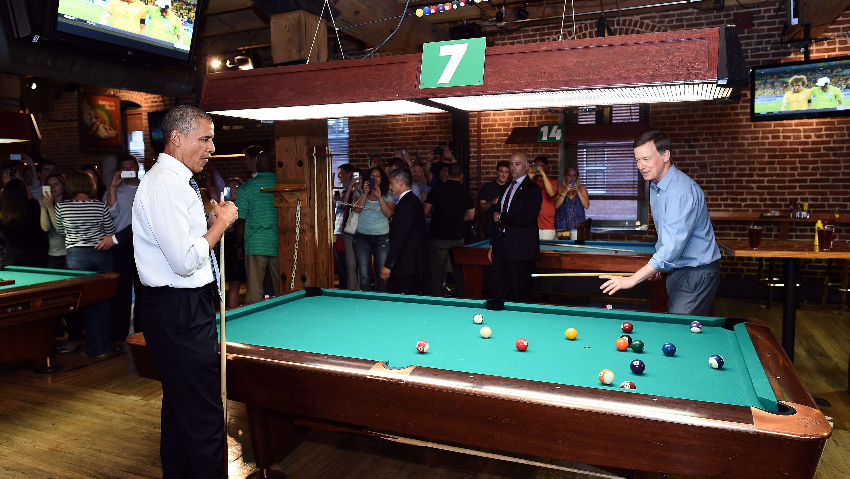 Obama wins 20 from governor at pool table for Pool table 6 x 3