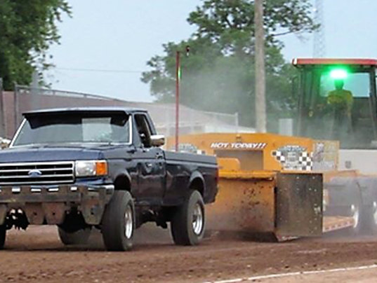 636619152156364050-truck-pull-picture-tony-kozub.png