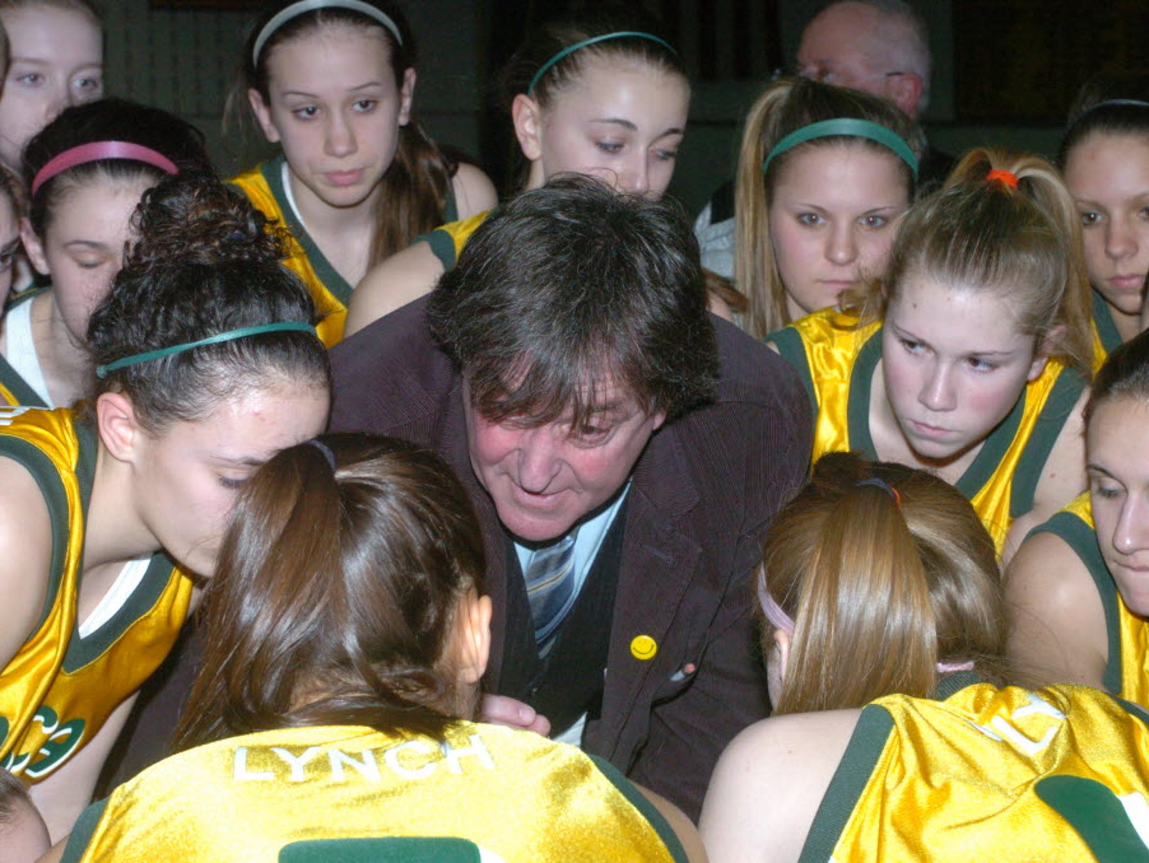 Jeff Jasper talks to his players during a game in 2008.